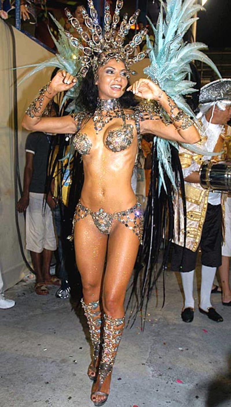 Эротические шоу бразилии смотреть онлайн в hd 720 качестве  фотоография
